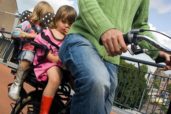 achter-op-de-fiets